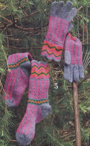 Перчатки и носки вязаные с орнаментом спицами для мужчин/4683827_20121003_220930_1_ (352x569, 273Kb)