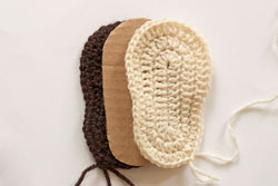crochet_booties3_resize2 (250x167, 27Kb)