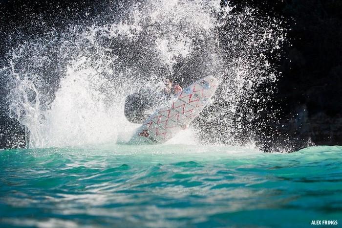 Красивые фотографии серферов от Alex Frings 6 (700x466, 128Kb)