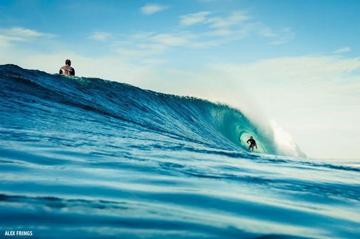 Красивые фотографии серферов от Alex Frings 8 (700x466, 67Kb)