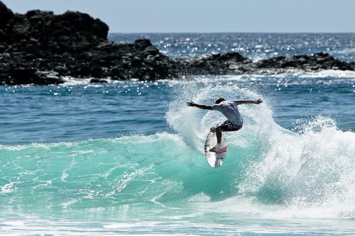 Красивые фотографии серферов от Alex Frings 20 (700x466, 104Kb)