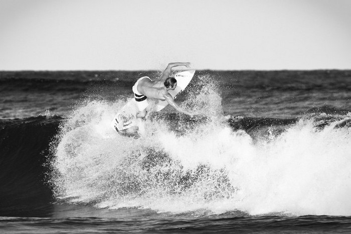 Красивые фотографии серферов от Alex Frings 38 (700x466, 73Kb)