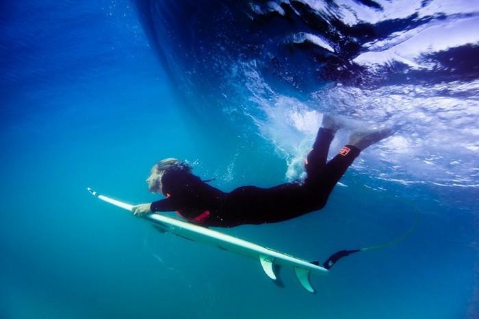 Красивые фотографии серферов от Alex Frings 40 (700x466, 62Kb)