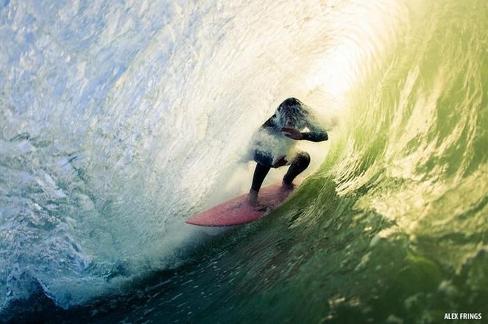 Красивые фотографии серферов от Alex Frings 44 (700x466, 90Kb)