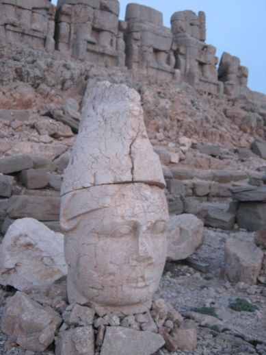 3925073_nemrut_dag_turkey_11 (389x518, 35Kb)