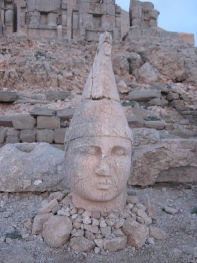 3925073_nemrut_dag_turkey_5 (389x518, 36Kb)