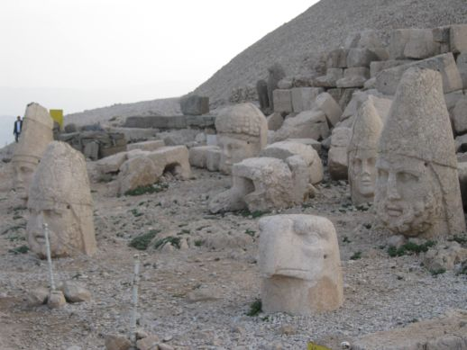 3925073_nemrut_dag_turkey_14 (518x389, 42Kb)