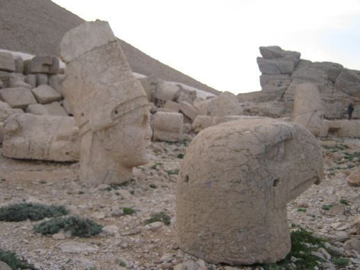 3925073_nemrut_dag_turkey_111 (518x389, 39Kb)