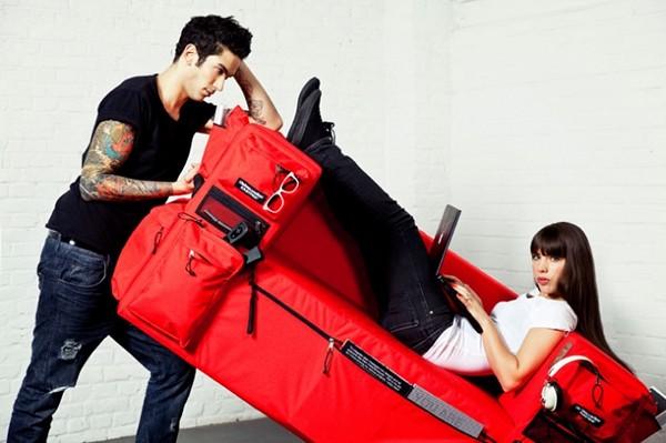 креативная мебель диван-рюкзак (600x399, 56Kb)