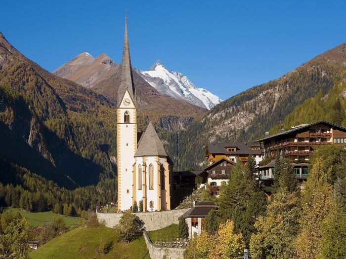 Heiligenblut_Village_in_High_Alps_Austria_1024x768 (700x525, 84Kb)