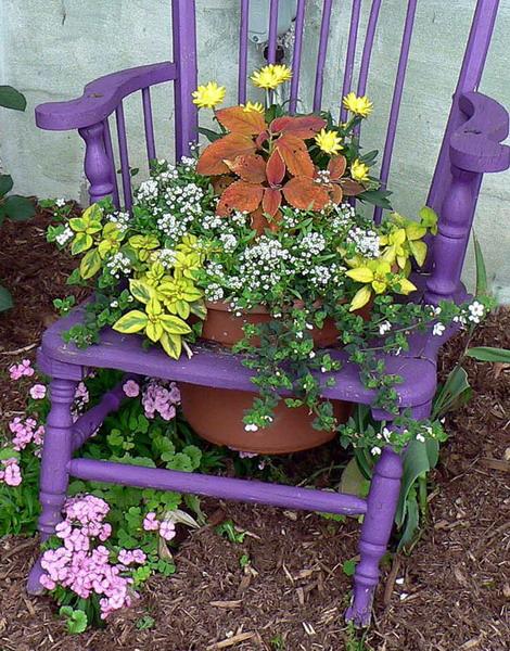 4497432_plantingflowersinchairscolorful2 (470x600, 152Kb)