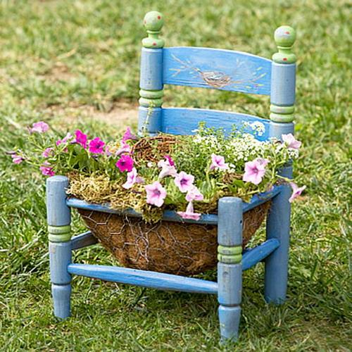 4497432_plantingflowersinchairscolorful6 (500x500, 119Kb)