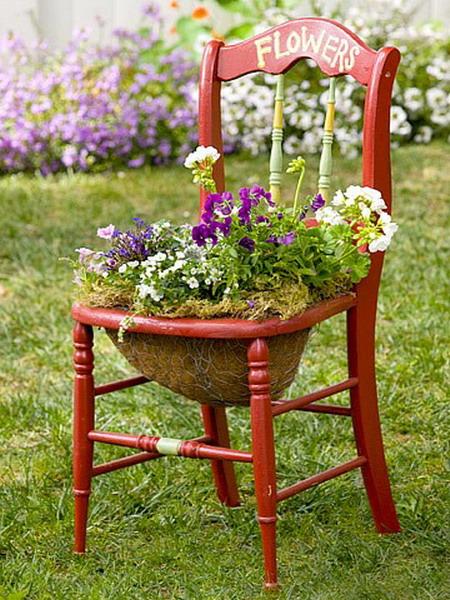 4497432_plantingflowersinchairscolorful8 (450x600, 126Kb)