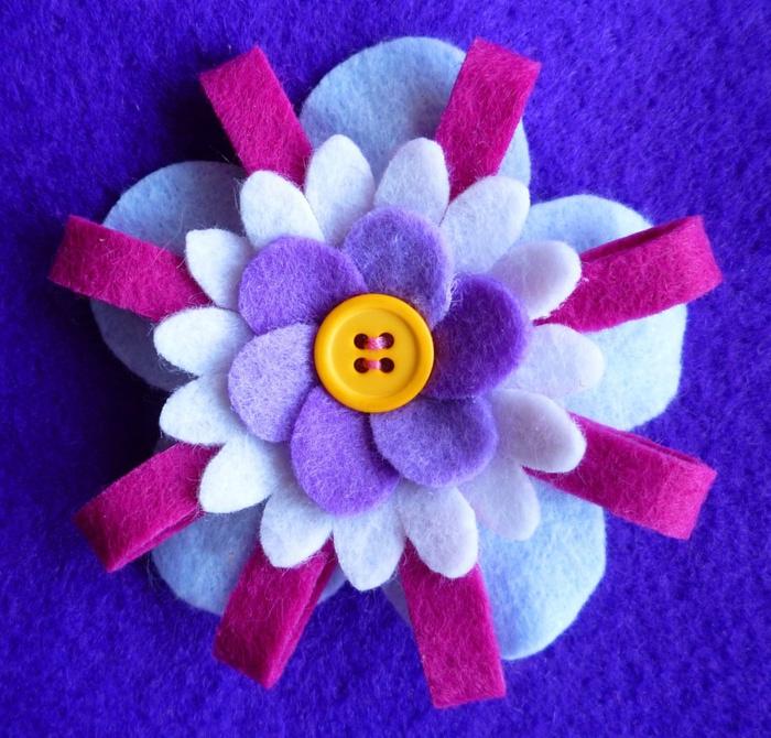 Broche flor margarita, tiras y 5p (700x670, 185Kb)