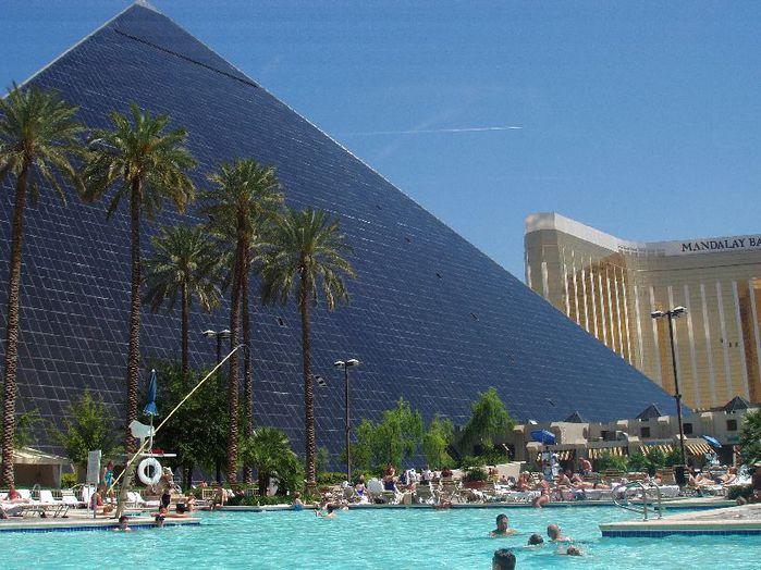 Отель Luxor hotel и Casino, Las Vegas - Пожить в пирамиде. 46255