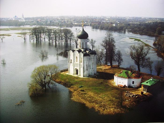 Покровский храм на Нерли