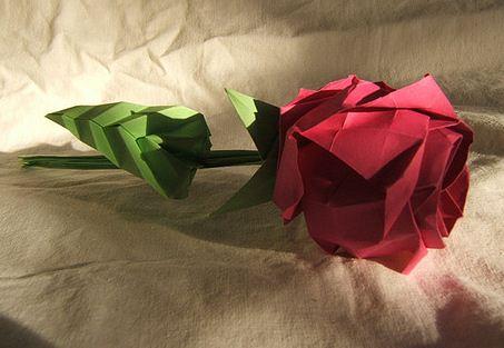 свой цитатник или сообщество!  Коробочки с розами в технике оригами.  Видео и схемы сборки.