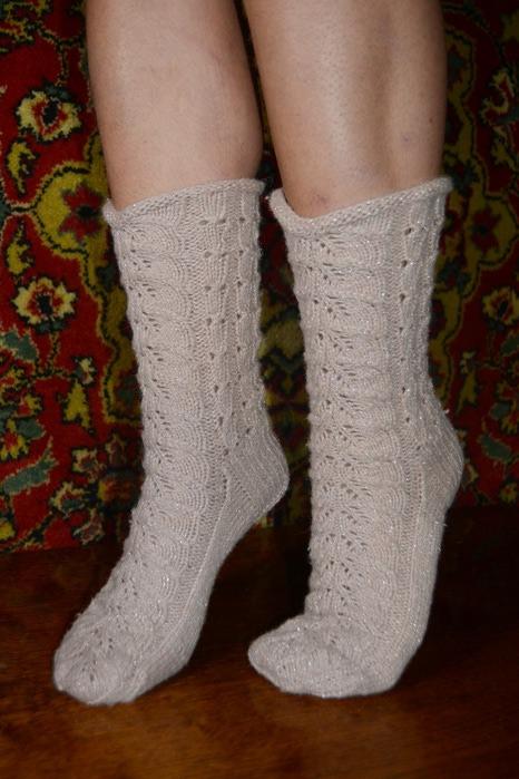 ажурные белые носки спицами видео