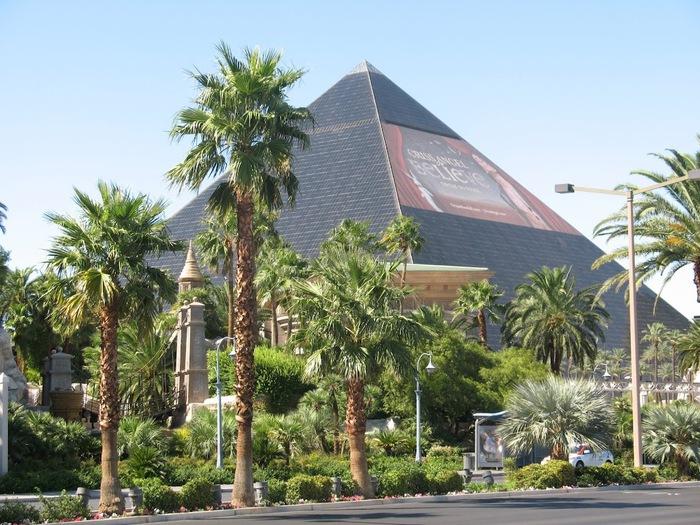 Отель Luxor hotel и Casino, Las Vegas - Пожить в пирамиде. 72394