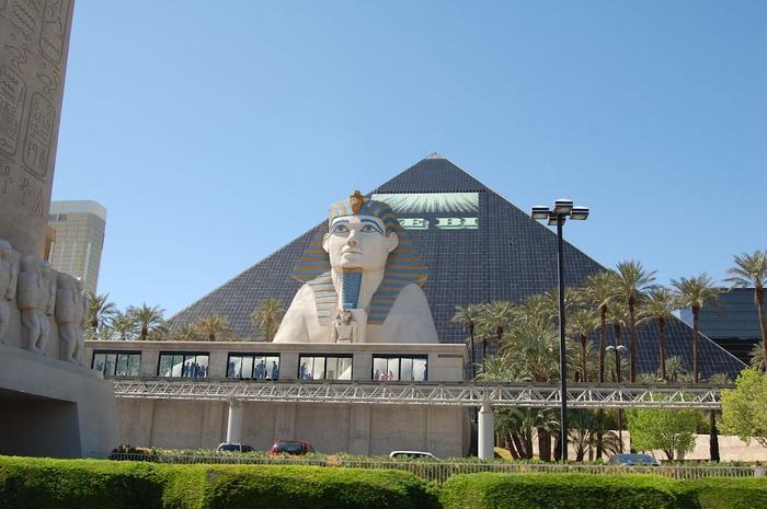 Отель Luxor hotel и Casino, Las Vegas - Пожить в пирамиде. 16051
