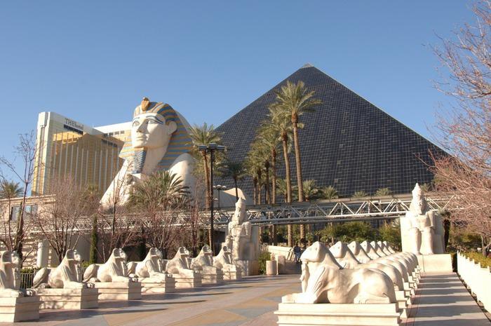Отель Luxor hotel и Casino, Las Vegas - Пожить в пирамиде. 73938
