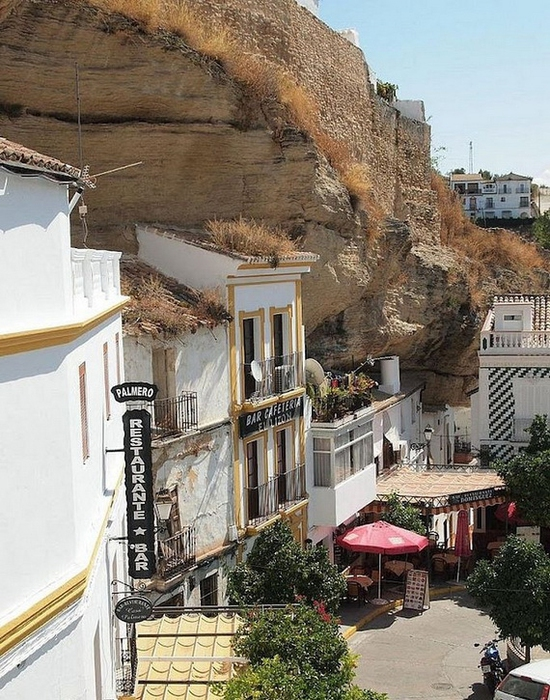 Сетениль-де-лас-Бодегас (550x700, 312Kb)