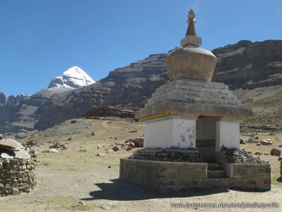 3579364_Tibet_stypa (549x412, 62Kb)