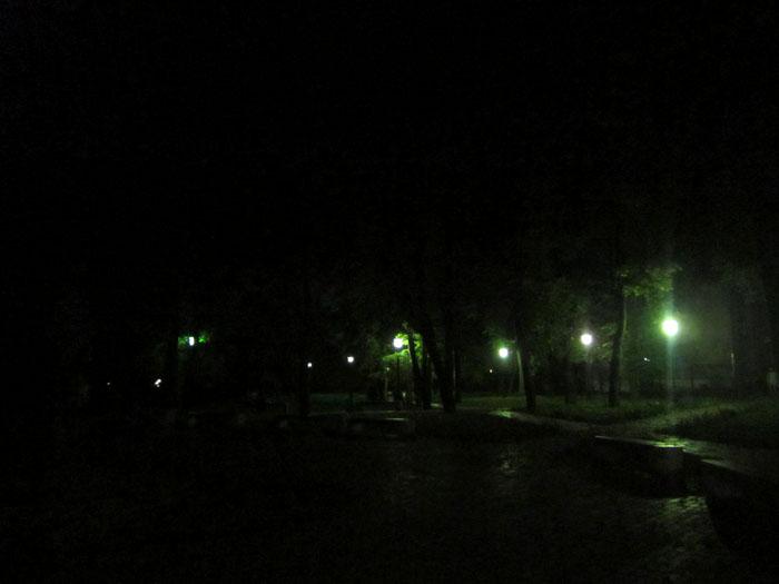 06  2012 09 Таруса Ночной сквер (700x525, 59Kb)