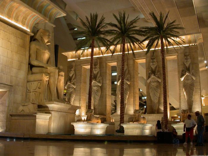 Отель Luxor hotel и Casino, Las Vegas - Пожить в пирамиде. 86348