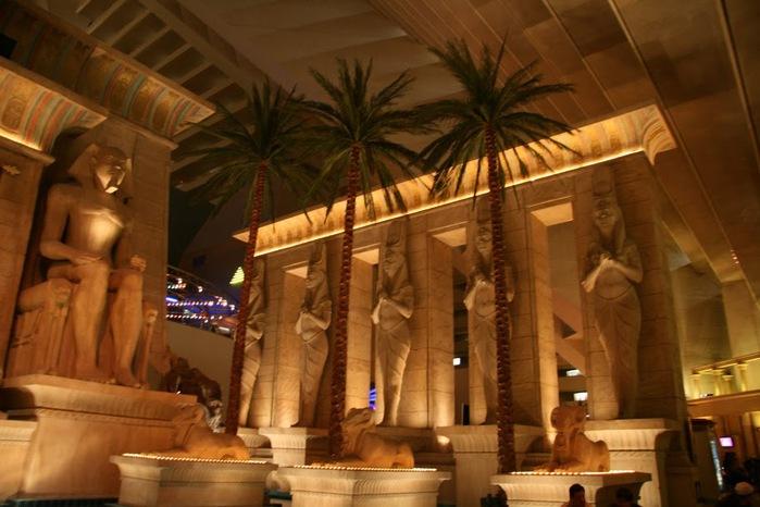 Отель Luxor hotel и Casino, Las Vegas - Пожить в пирамиде. 30157