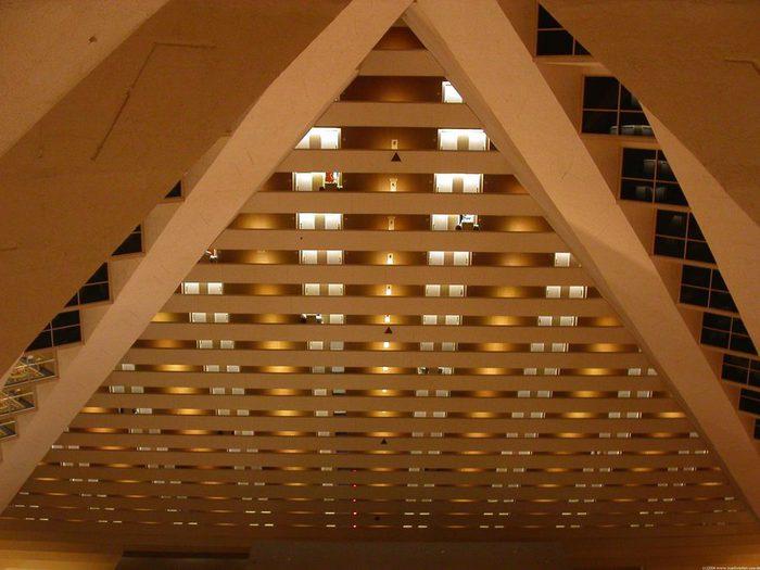 Отель Luxor hotel и Casino, Las Vegas - Пожить в пирамиде. 32140