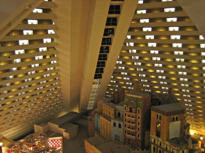 Отель Luxor hotel и Casino, Las Vegas - Пожить в пирамиде. 69907