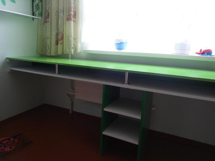 Письменный стол для двух детей своими руками 73