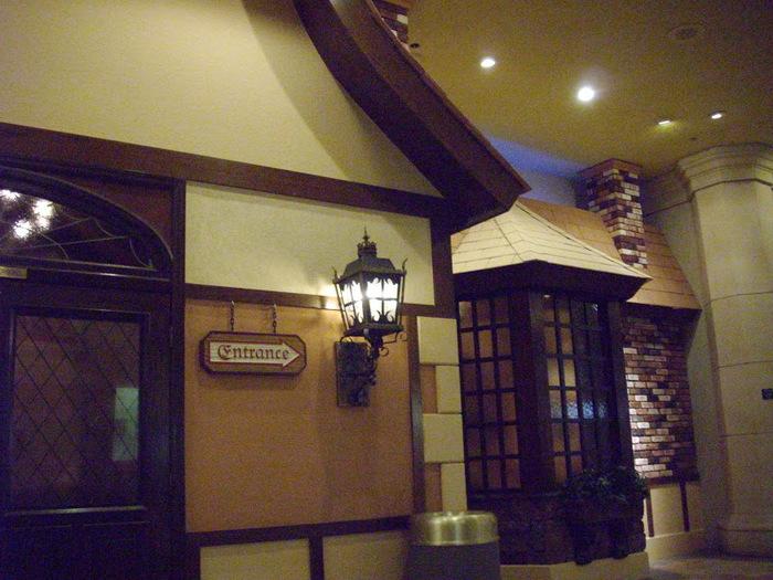 Отель Luxor hotel и Casino, Las Vegas - Пожить в пирамиде. 94400