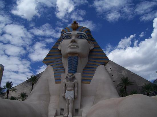 Отель Luxor hotel и Casino, Las Vegas - Пожить в пирамиде. 86977