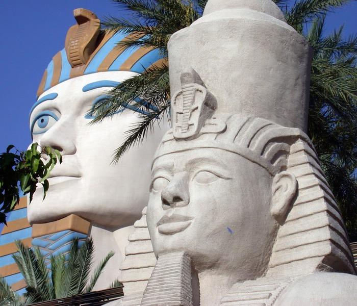 Отель Luxor hotel и Casino, Las Vegas - Пожить в пирамиде. 87011