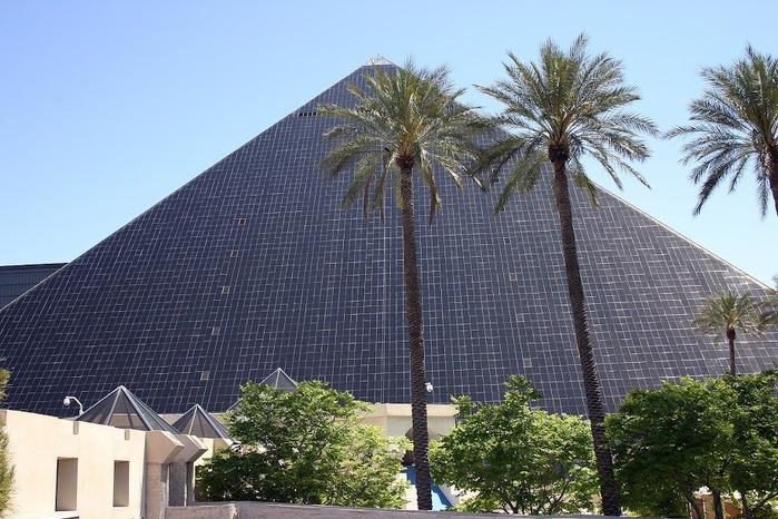 Отель Luxor hotel и Casino, Las Vegas - Пожить в пирамиде. 23903