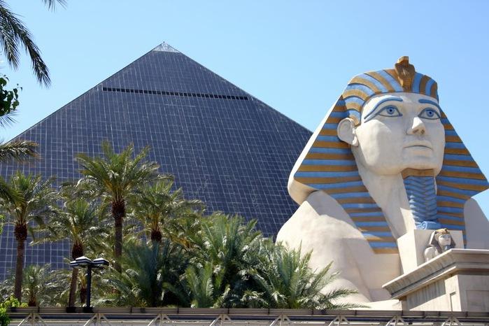 Отель Luxor hotel и Casino, Las Vegas - Пожить в пирамиде. 39954
