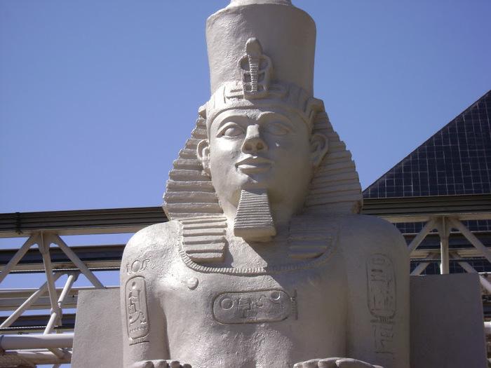 Отель Luxor hotel и Casino, Las Vegas - Пожить в пирамиде. 31887