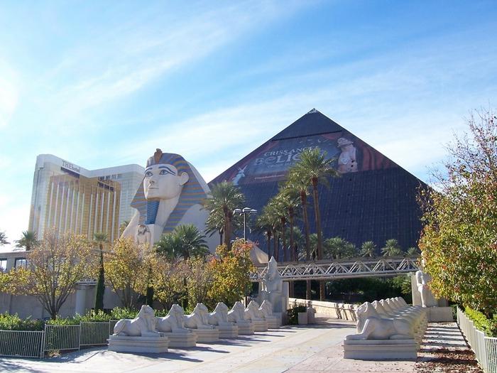 Отель Luxor hotel и Casino, Las Vegas - Пожить в пирамиде. 88356
