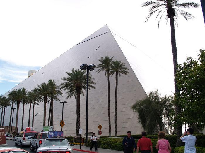 Отель Luxor hotel и Casino, Las Vegas - Пожить в пирамиде. 62484