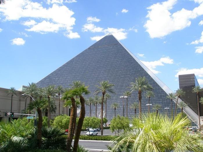 Отель Luxor hotel и Casino, Las Vegas - Пожить в пирамиде. 98856