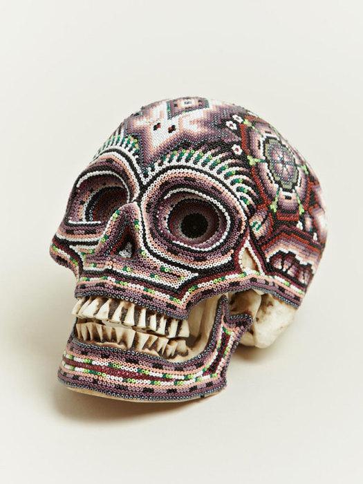 Бисерные черепа.