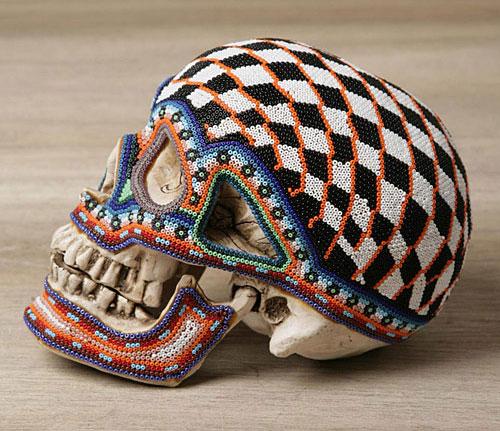 Плетение бисером черепа.