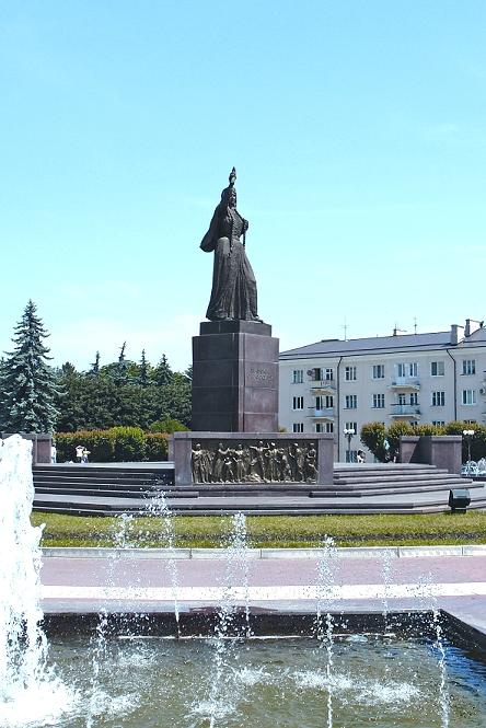 http://img1.liveinternet.ru/images/attach/c/6/92/860/92860189_large_3646910_2mariya_naveki_s_rossiei_pamyatnik_v_g_nalchik.jpg