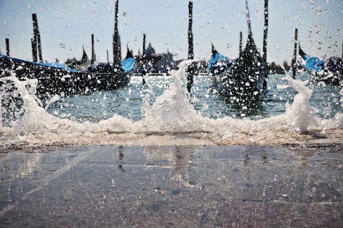венеция тонет фото 15 (700x464, 94Kb)