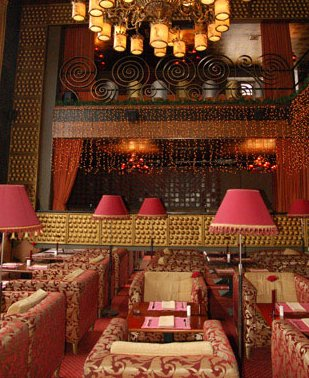 Зал ресторана (309x378, 44Kb)