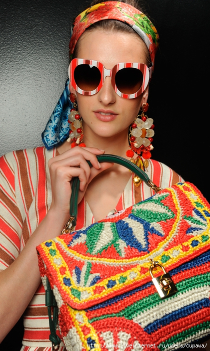 dolce‐and‐gabbana‐ss‐2013‐women‐fashion‐show‐runway‐backstage‐sicily‐folk‐photo‐053[1] (420x700, 307Kb)