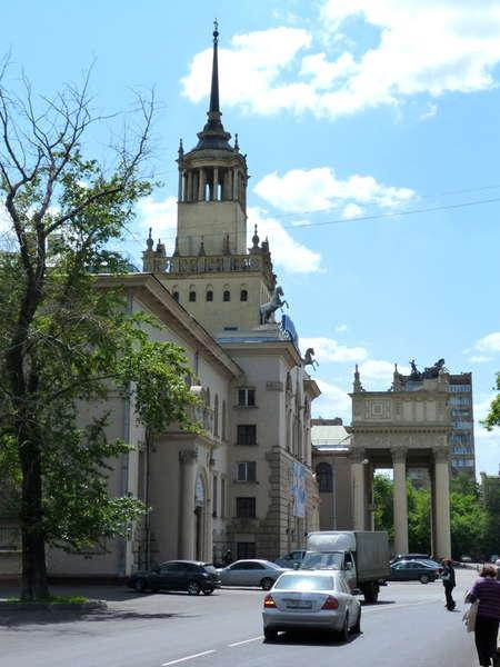 здания московского ипподрома (450x600, 46Kb)