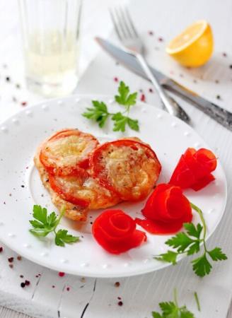 1329120682_zapechennaya-kurica-s-pomidorami-pod-syrom-dlya (328x450, 54Kb)